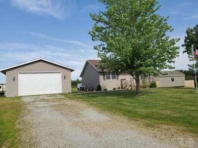 Appanoose County Single Family Home For Sale: 21059 Hwy J5t