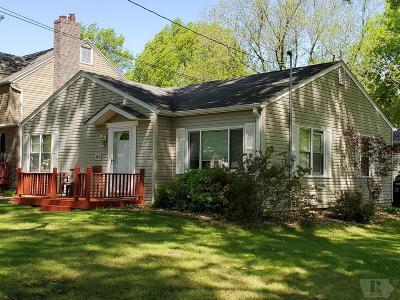 Wapello County Single Family Home For Sale: 747 E Highland