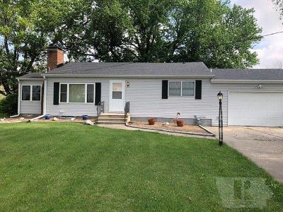 Wapello County Single Family Home For Sale: 447 E Rochester
