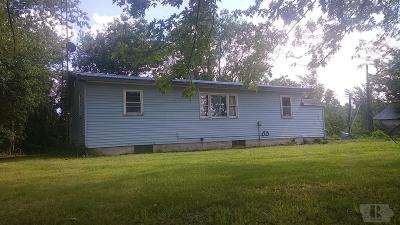 Brighton IA Single Family Home For Sale: $34,900