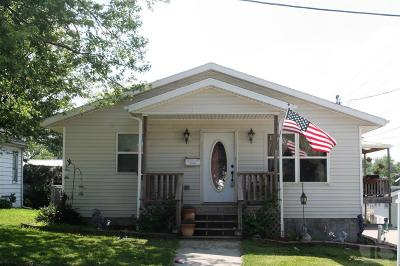 Centerville IA Single Family Home For Sale: $189,000