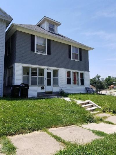 Single Family Home For Sale: 324 W. Fifth St.