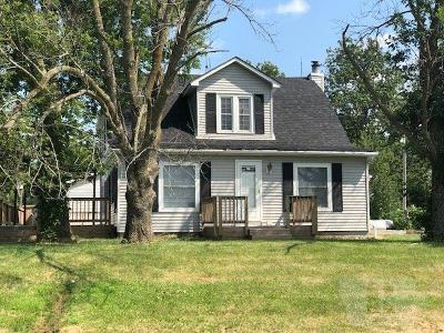Ottumwa Single Family Home For Sale: 10706 Dahlonega Road