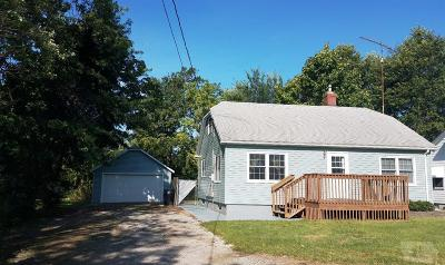 Wapello County Single Family Home For Sale: 2361 N Court Street