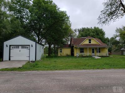Mystic IA Single Family Home For Sale: $85,000