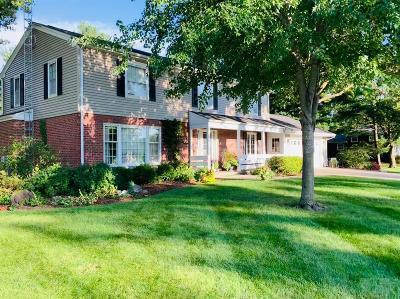 Davis County Single Family Home For Sale: 706 N Davis