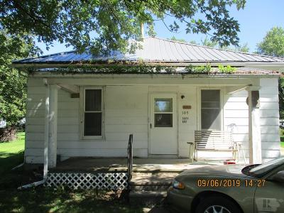 Appanoose County Single Family Home For Auction: 105 S East