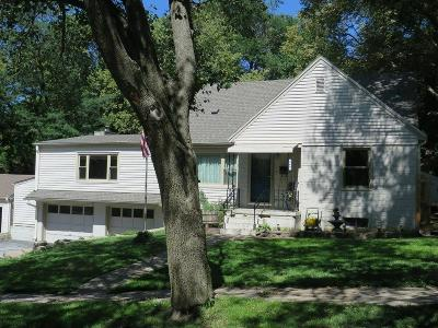 Council Bluffs Single Family Home For Sale: 360 Elmwood Drive