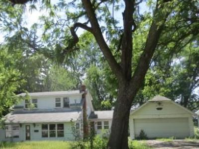 Emerson Single Family Home For Sale: 604 Edwards Street
