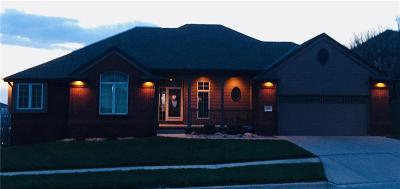 Council Bluffs Single Family Home For Sale: 504 Parkwild Drive