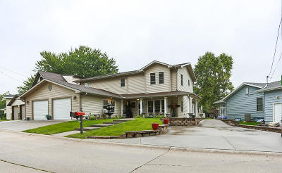 Council Bluffs Single Family Home For Sale: 51 Lakewood Villa