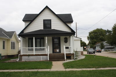 Single Family Home For Sale: 2400 Avenue F