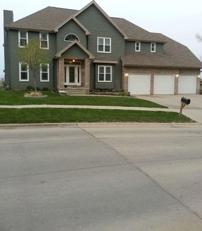 Council Bluffs Single Family Home For Sale: 705 Parkwild Drive