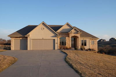 Council Bluffs Single Family Home For Sale: 23307 Sunshine Lane