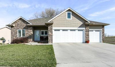 Council Bluffs Single Family Home For Sale: 5220 Ballard Circle