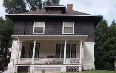 Council Bluffs Single Family Home For Auction: 171 Glen Avenue