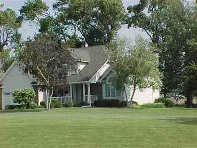 Single Family Home Sold: 4129 E Reinbeck Rd