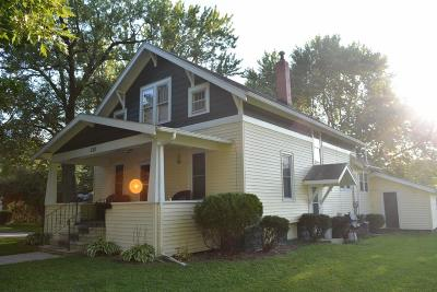 Oelwein IA Single Family Home For Sale: $70,000