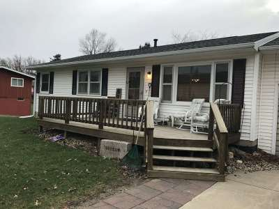 Single Family Home For Sale: 601 Western
