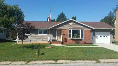Oelwein Single Family Home For Sale: 508 SE 8th