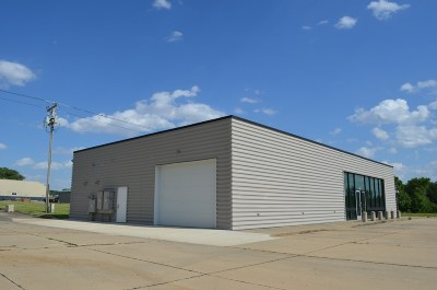 Oelwein Commercial For Sale: 821 S Frederick Ave