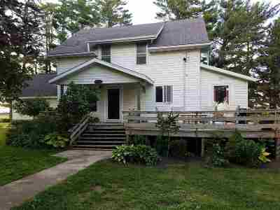 Oelwein Single Family Home For Sale: 7432 U