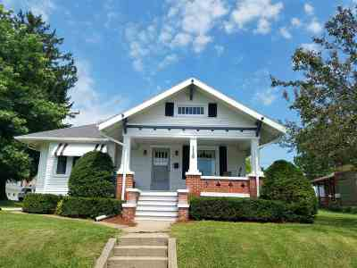 Single Family Home For Sale: 118 Adams