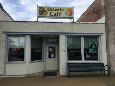 Oelwein Commercial For Sale: 114 S Frederick