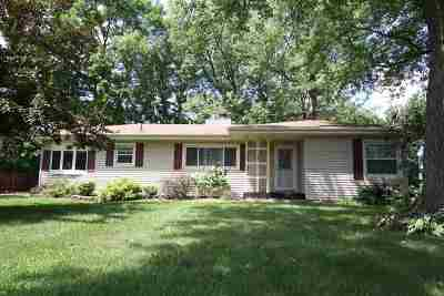 Oelwein IA Single Family Home For Sale: $93,500