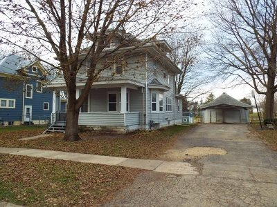 Strawberry Point IA Single Family Home For Sale: $105,000