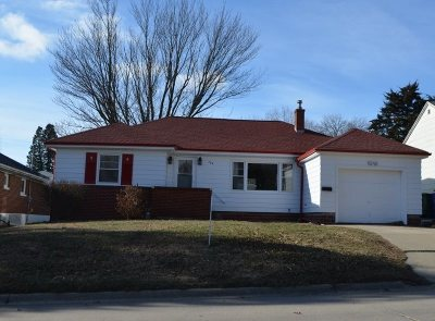 Oelwein IA Single Family Home For Sale: $73,000