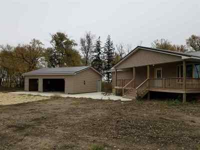 Oelwein IA Single Family Home For Sale: $335,000