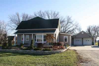 Oelwein IA Single Family Home For Sale: $189,500