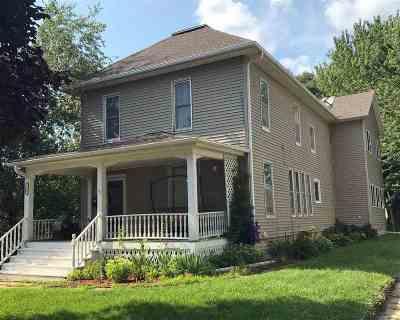 Single Family Home For Sale: 206 W Elm Street