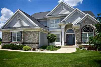 Cedar Falls Single Family Home For Sale: 3221 Stratford Court