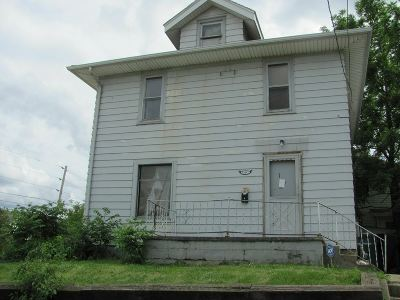 Waterloo Single Family Home For Sale: 1324 South Street