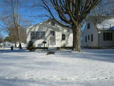 Waterloo Single Family Home For Sale: 1201 Magnolia Parkway