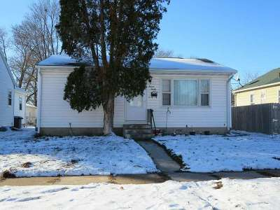Waterloo Single Family Home For Sale: 1124 Evergreen Avenue