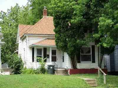 Waterloo Single Family Home For Sale: 1112 W 5 Street