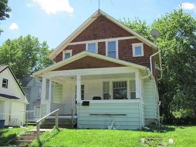 Waterloo Single Family Home For Sale: 526 Locust Street
