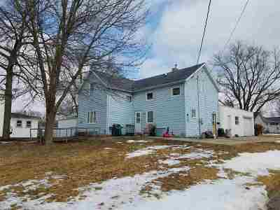 Oelwein IA Single Family Home For Sale: $29,500