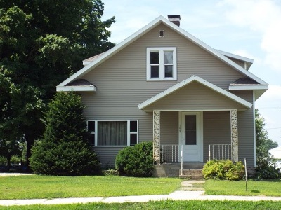 Greeley IA Single Family Home For Sale: $125,000
