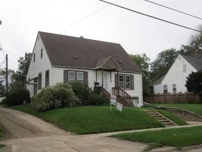 Cedar Falls Single Family Home For Sale: 210 W 22 Street