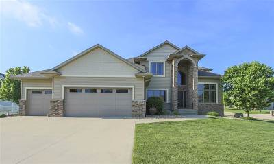 Cedar Falls Single Family Home For Sale: 2605 Falcon Lane