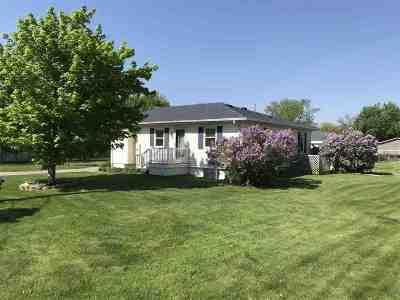 Cedar Falls Single Family Home For Sale: 2712 Big Woods Road