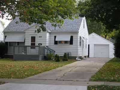 Waterloo Single Family Home For Sale: 1807 W 6 Street