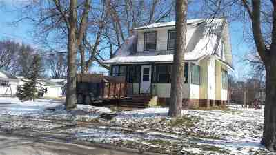 Laporte City Single Family Home For Sale: 800 4th Street
