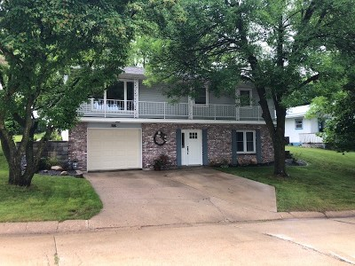 Elkader Single Family Home For Sale: 705 NW Woodland Drive