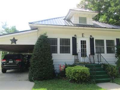 Elkader Single Family Home For Sale: 417 NE High Street
