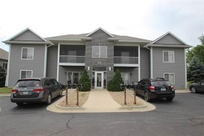 Cedar Falls IA Condo/Townhouse For Sale: $116,000